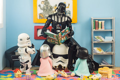 Best grandpa ever!!! (Sabrina Franzoni) Tags: star wars movie disney darth vader kids children babies baby kylo ren phasma stormtrooper nendoroid goodsmile company goodsmilecompany bandai shfiguarts sh figuarts hasbro black series sadkylo cafa toys sylvanian families toyphotography toyart figure collection