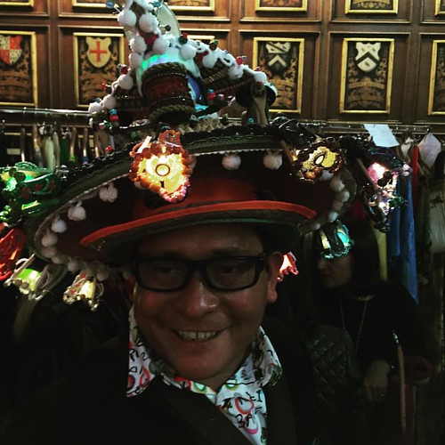 Look at this fab hat! Here at the Middle Temple Hall in this magnificent building waiting for Royal Fashion Day #runwayphotography #catwalkphotographer #fashionphotography #royalfashionday #lfw #lfw15 #fashionstyle #fashion