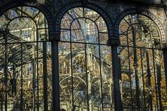 Palacio de Cristal. Interior (seguicollar) Tags: madrid arquitectura edificio reflejo cristal hierro palaciocristal nikon5200 ramajes virginiaseguí