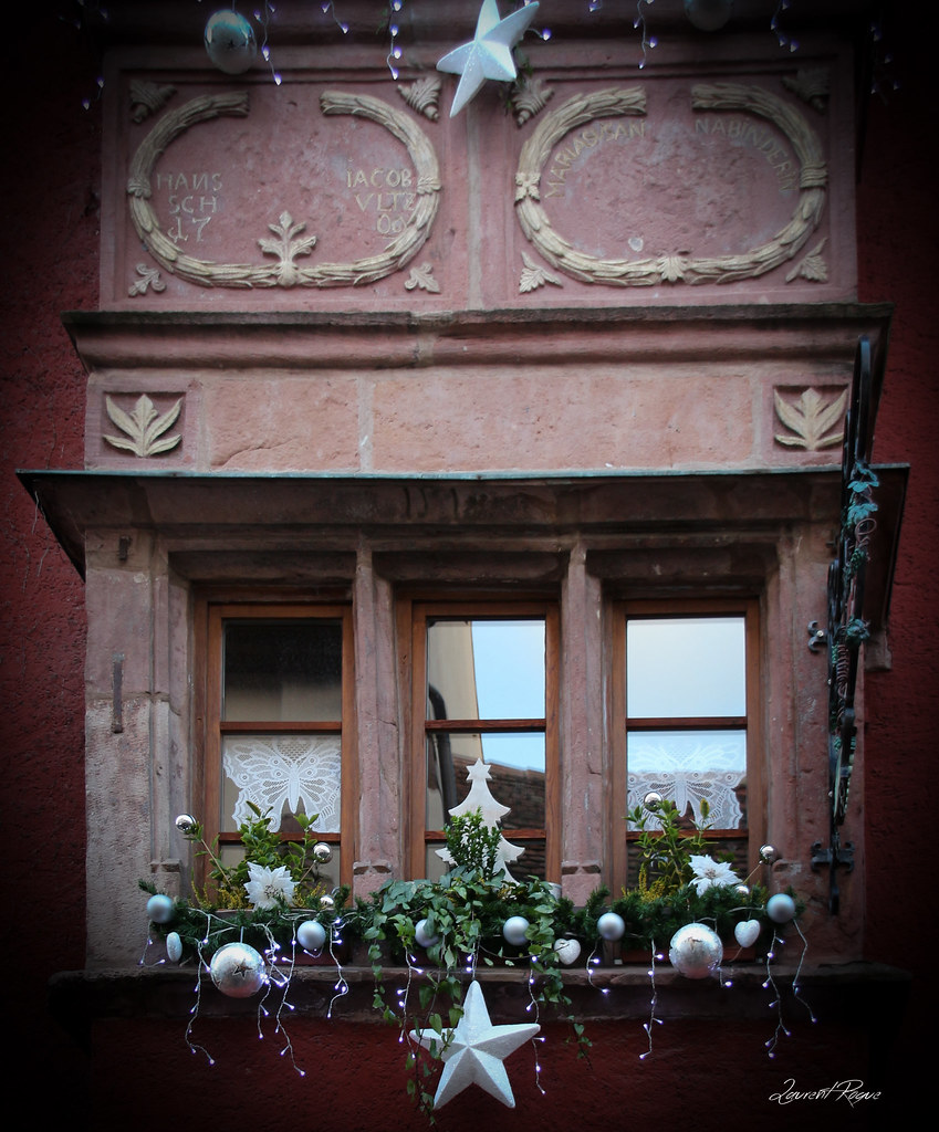 The world 39 s best photos of christmas and riquewihr for Decoration fenetre alsace