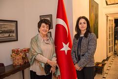 LACO à la carte chair and board member Mahnaz Newman and Consul General Raife Gülru Gezer