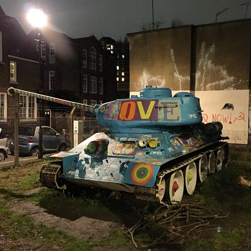 #strolling in #london, it may also hopes to meet a #russian #tank #streetphotography #night #encounter #love #nofilter #igerslondon