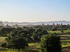 "Bagan: coucher de soleil depuis la pagode Myauk Guni Paya <a style=""margin-left:10px; font-size:0.8em;"" href=""http://www.flickr.com/photos/127723101@N04/23281157562/"" target=""_blank"">@flickr</a>"