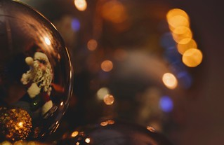 Macro Mondays: HOLIDAY BOKEH