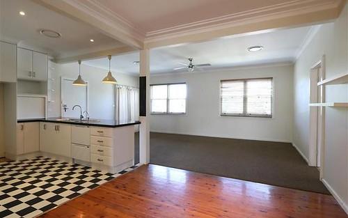 2 Sturt Avenue, Singleton NSW 2330