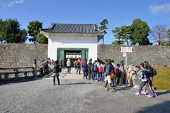 Gate to the Honmaru (jpellgen (@1179_jp)) Tags: kyoto japan japanese nihon nippon kansai heian ninomaru goten garden palace 日本 nightingale floor nijo nijojo castle world heritage site honmaru ruins tokugawa 二条城 京都市 honshu kinki 京都 heiankyo unesco asia nikon d7000 2016 fall autumn november travel history 1770mm sigma