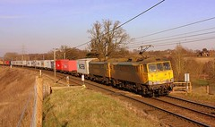 Crossing Closed at Brantham (Chris Baines) Tags: brantham foot crossing frightliner 2x86 felixstowe trafford park