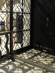 Shadow fence (Shahrazad26) Tags: paris parijs france frankrijk frankreich fence hek barrière shadow schaduw schatten ombre kerk iglesia église church kirche stgermaindespres
