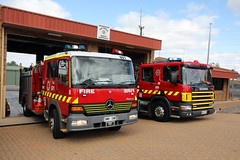 Out the front of Berri Station (adelaidefire) Tags: sa samfs mfs south australian metropolitan fire service berri 60 scania lowes industries 180 mercedes atego liquip moore engineering 0090
