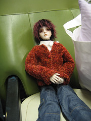 On the train home - MY GOD NEW CLOTHES! (endorwitch) Tags: dolls sydney swift dreamofdoll newclothes june4 bjds balljointeddolls lahoo dollmeet asianballjointeddolls koreandolls dotlahoo
