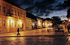 Lusco-Fusco #4     Centro histórico de Curitiba - Paraná - Brasil (Alê Santos) Tags: brazil paraná brasil sundown curitiba entardecer pfogold thechallengefactory