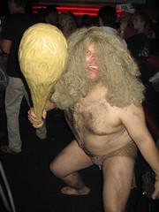 Capitaine Caverne!!!! Oinga-Boinga!!!!!! (Pat Rioux) Tags: people halloween circus staff artists acrobats cirque cirquedusoleil caveman dralion aroundtheworld captaincaveman europeantour capitainecaverne