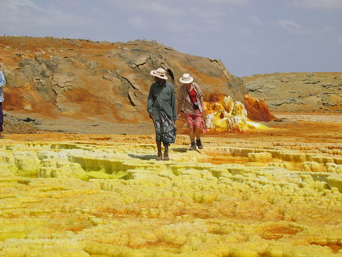 Samuel & Jacqui exploring Dalol