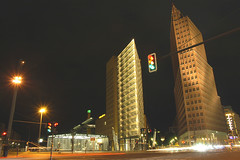 traffic light (bea2108) Tags: berlin nightshot potsdamerplatz nightshots