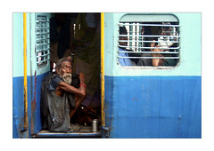 Voyage (Elishams) Tags: india train indian traditional culture uttaranchal indianarchive hinduism pilgrimage sadhu pilgrims haridwar northindia  indedunord