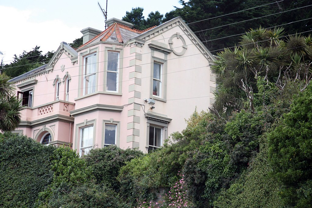 PINK HOUSE IN KILLINEY