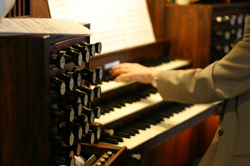 Organist in action