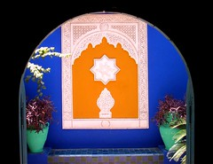 Marruecos - Marrakech - Jardin Majorelle - Contraste (jose_miguel) Tags: blue españa orange color colour miguel azul garden bravo colours pastel jose morocco maroc contraste marrakech majorelle marrakesh marruecos naranja jardines 10faves interestingness54 marraquech explore54
