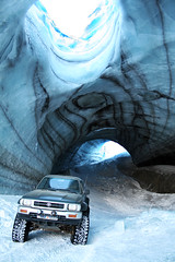 ice cave (giggo75) Tags: blue snow green ice iceland cool nice offroad 4x4 super glacier toyota crown trucks cave mm really breathtaking sland pictureperfect icelandic morgunblai 035 hilux langjkull jewl superjeep abigfave aplusphoto 16052008 16may2008 160508 crownjewl