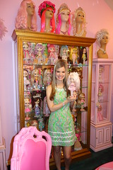 Happy Dolly Monday! (Primrose Princess) Tags: pink dressup blythedoll mannequinhead 1972kennerblythedoll lillypulitzerdress dollydisplay dollydreamland