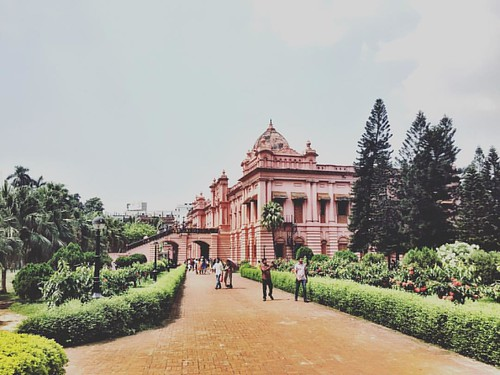 One side of Ahsan Manzil, the pink palace of #Dhaka #Bangladesh #travel #iPhone #ahsanmanzil
