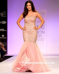 Sunny Leone in Orange Fish Cut Gown For Jyotsna Tiwari at Lakme Fashion Week (shaf_prince) Tags: sunnyleone bollywoodactress lakmefashionweek designerwear fishcutgown celebritydresses bollywooddesignerdresses actressingowns actressinorangedresses indowesterngowns