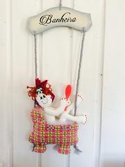 Menina no Banho (Pina & Ju) Tags: handmade artesanato guirlanda porta manual patchwork banheiro banho tecido enfeite