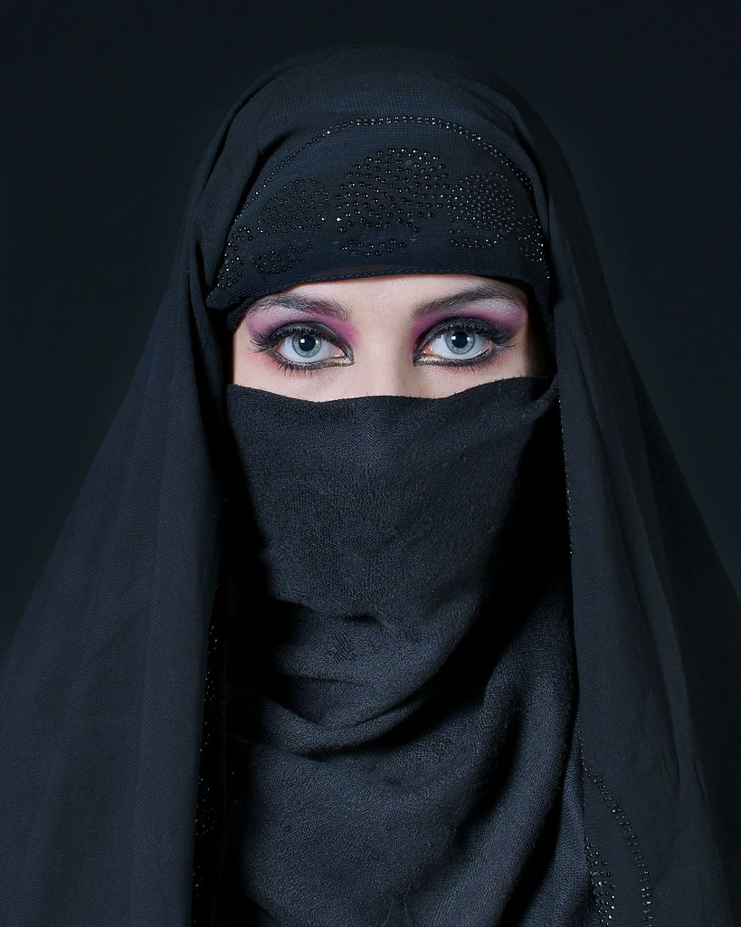 The World's Best Photos of eyes and niqab - Flickr Hive Mind
