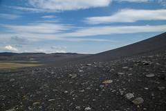 Ai piedi del Cratere Hverfell (fabrizioboni00) Tags: sky panorama lago iceland blu cielo azzurro myvatn vulcano cratere islanda krafla hverfell