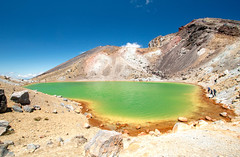 Emerald Lake (Andrea Schaffer) Tags: newzealand summer volcano december nz tongarironationalpark tongarirocrossing northisland aotearoa tramping neuseeland nieuwzeeland emeraldlakes 2015 canonefs1022mmf3545usm  nouvellezlande   tongariroalpinecrossing canoneos70d