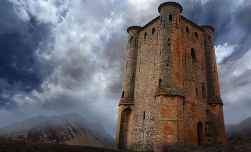 "Torres legendarias / Faros, minaretes, campanarios, rascacielos • <a style=""font-size:0.8em;"" href=""http://www.flickr.com/photos/30735181@N00/31722253563/"" target=""_blank"">View on Flickr</a>"