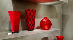 - Glass Art - (Jac Hardyy) Tags: glass art new red black chequers checked vase rund shape checkered plaid chequered vases vasen glas glaskunst kunst rot schwarz grau grey kariert form formen modern