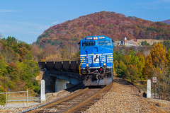 4001 crossing I-240 (grady.mckinley) Tags: 4001 norfolk southern fairview north carolina