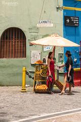 Naranjas y Tango (raperol) Tags: airelibre calle street girls buenosaires argentina