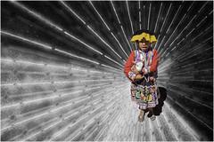 Perú - Niña con oveja - Texturas (Natxus) Tags: perrú sudamérica incas inca indígena niño obeja arte inka pissac niña boy girl children native texturas inkas