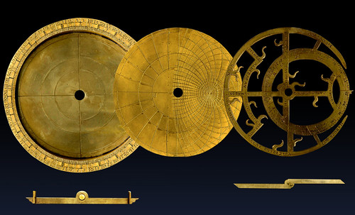 "Astrolabios, ubicantes de estrellas guía • <a style=""font-size:0.8em;"" href=""http://www.flickr.com/photos/30735181@N00/32230767980/"" target=""_blank"">View on Flickr</a>"