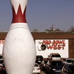 Large Bowling Pin - Lebanon, TN thumbnail