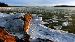 Southern shore of Lauttasaari (Helsinki, 20170122) (RainoL) Tags: 2017 201701 20170122 balticsea drumsö fin finland fz200 geo:lat=6014614350 geo:lon=2487999870 geotagged helsingfors helsinki ice january lauttasaari nyland sea seashore uusimaa water winter