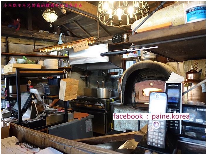 首爾北村鐵匠烤窯Pizza (2).JPG