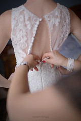 Wedding (umberto.ruvolo) Tags: wedding casa arte famiglia mamma evento dettagli attimi sposa abito cerimonia emozioni fase bottoni preparazioni