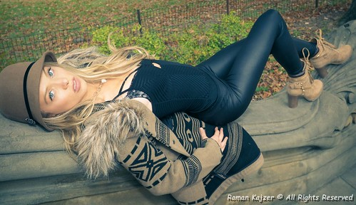 park nyc sexy fall beautiful hair model eyes pretty photoshoot centralpark manhattan blueeyes young posing lips sensual teen fairy blonde teenager 17 thin kendra leggings smoldering teengirl nycphotographer ladyfall