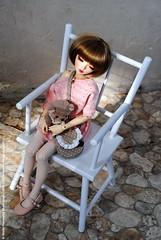 Daydreaming (dollmino) Tags: martapiotrowiczphotography httpdollwhispererblogspotcom dollwhisperer auri minifee chloe fairyland daydreaming rockingchair sweetdreams redribbon
