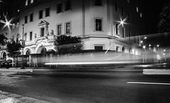 longexposure (Luis Riveraw) Tags: longexposure largaexposición blackandwhite blancoynegro monochrome mono monocromático contraste night streetphotography street city lights lighting urban luces canon canon600d black