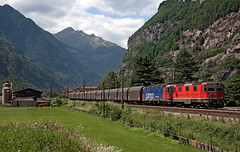 SBB Re4/4''' 11353 (maurizio messa) Tags: nikond90 switzerland svizzera treni trains ticino guterzuge gotthard gottardo ferrovia freighttrain fret cargo mau bahn railway railroad re44