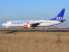 "LN-RPM, Boeing 737-883, 30195/696, SAS Scandinavian Airlines, ""Frigg Viking"", Eurobonus livery, CDG/LFPG, 2016-01-06, Bravo loop (alaindurandpatrick) Tags: lnrpm 30195696 737 738 737800 737ng boeing boeing737 boeing737ng boeing737800 jetliners airliners sk sas scandinavianairlines airlines eurobonus specialliveries cdg lfpg parisroissycdg airports aviationphotography"