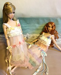 Eden #1 (Land of Dolls) Tags: fashionroyalty eden twins jiajiafashions 16thscaleintegrity jasonwu seashore ribbons pink lavender diorama lace
