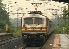 SUPERFAST – WAP-5 & Karnavati Express