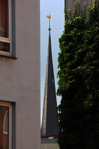 "Hauslücke (02) • <a style=""font-size:0.8em;"" href=""http://www.flickr.com/photos/69570948@N04/20923477456/"" target=""_blank"">View on Flickr</a>"