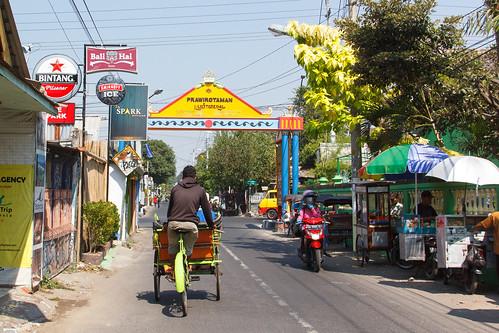 Menyusuri Prawirotaman, Sudut Yogyakarta Yang Mendunia