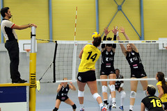 GO4G3677_R.Varadi_R.Varadi (Robi33) Tags: game girl sport ball switzerland championship team women action basel tournament match network volleyball block volley referees viewers